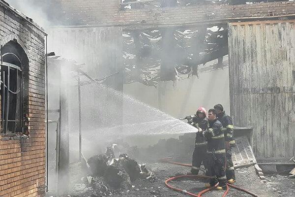 آتش سوزی کارخانه تولیدی در ورامین مهار شد