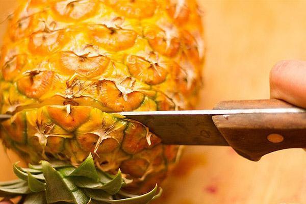 طرز پوست کندن آناناس و نحوه تشخیص آناناس رسیده